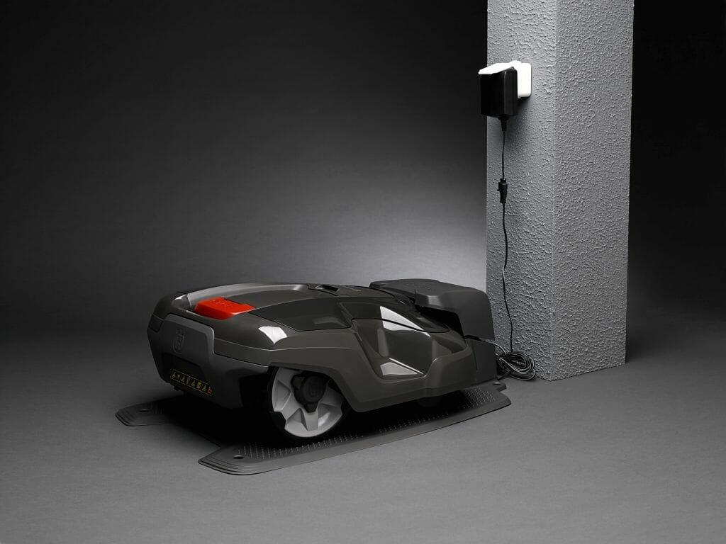 husqvarna automower 310 robotniiduk saestuudio o. Black Bedroom Furniture Sets. Home Design Ideas